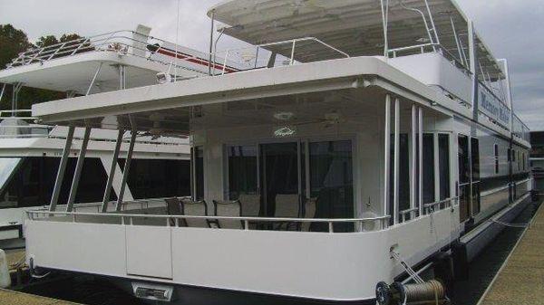 Custom Thoroughbred houseboat
