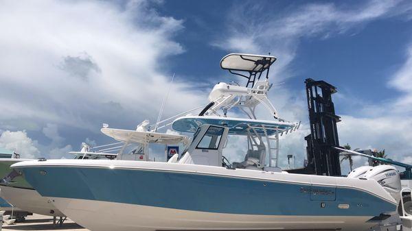 Everglades 335cc Sky Blue
