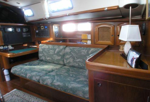 Beneteau America 461 - 2 Cabin image