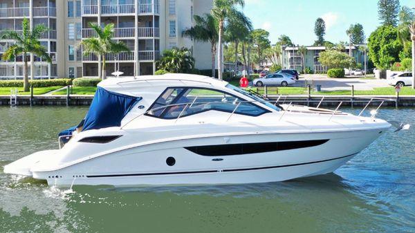 Sea Ray 350 Coupe