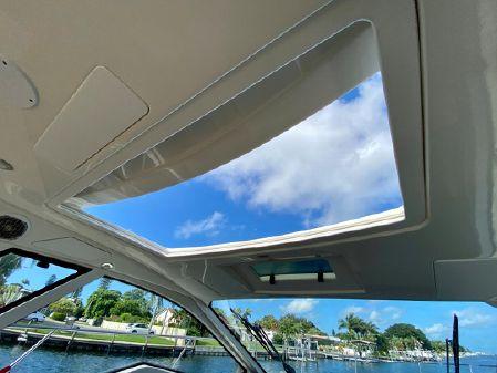 Sea Ray 350 Coupe image