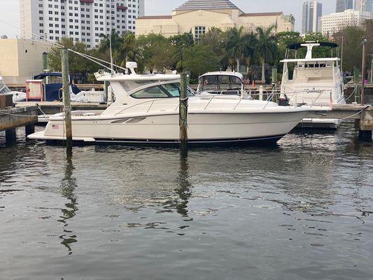 Tiara Yachts 3800 - main image