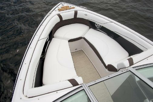 Regal 2300 Bowrider image