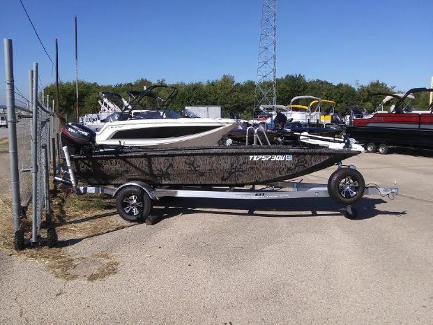 2018 Xpress Hd16db Temple Texas Marine Outlet