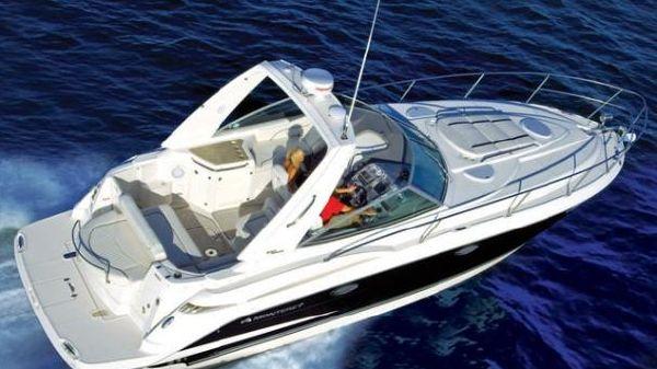 Monterey 330 Sport Yacht