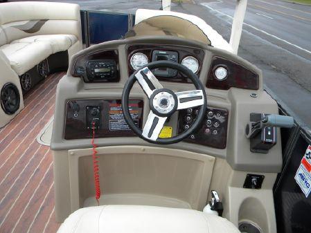 Crest 230 Classic SLR2 image