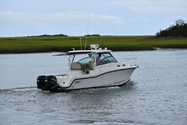 Boston Whaler 315 Conquest - main image