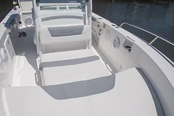 Everglades 235 Center Console image