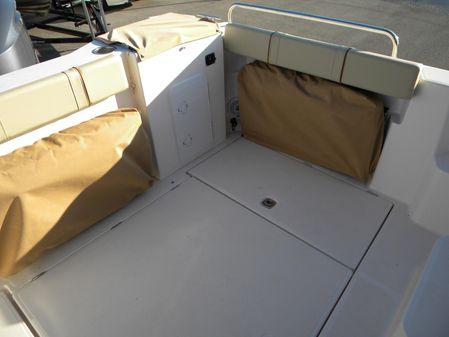 Ranger Tugs R-25 image