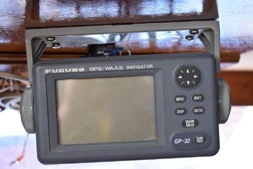 Oyster Center cockpit ketch image