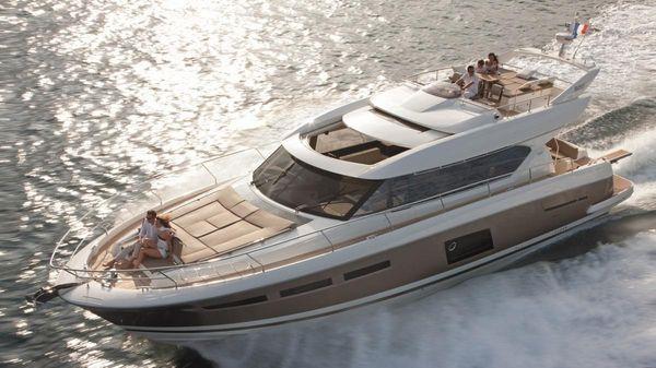 Prestige Yachts 630 S