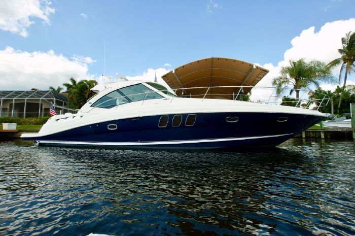2005 Sea Ray 48 Sundancer Cape Coral, Florida - On The Dock