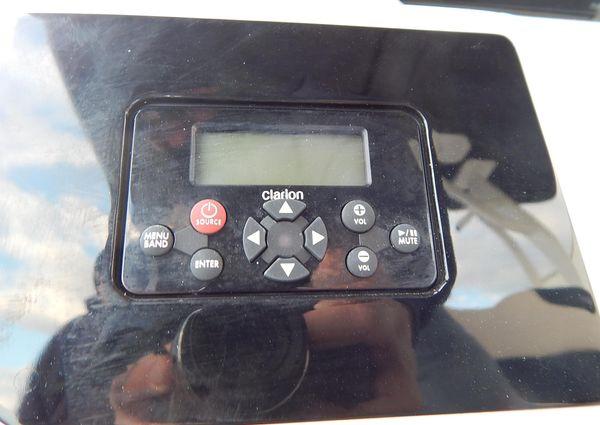 Robalo R302 image