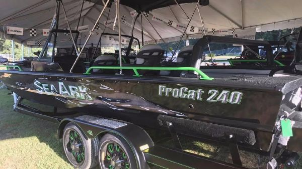 SEAARK BOATS INC ProCat 240 Amped Package