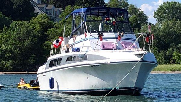 Carver 330 Mariner SE