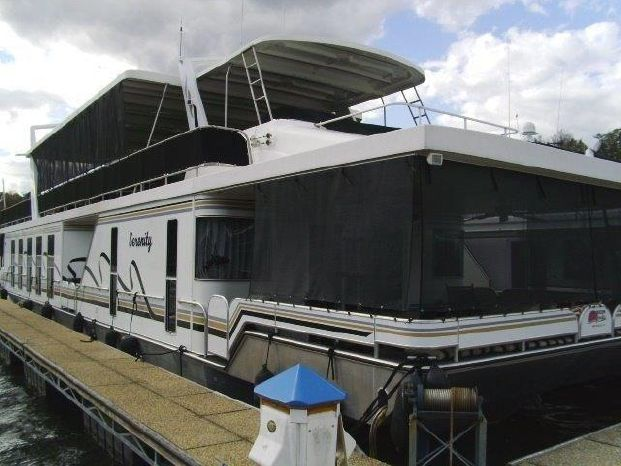 2006 Horizon 18.5 x 88 Houseboat