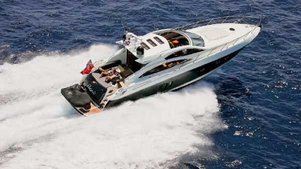 Sunseeker Predator 62 Current vessel underway