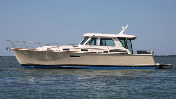 Sabre 48' Salon Express