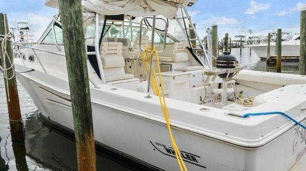 Boston Whaler 350 Defiance