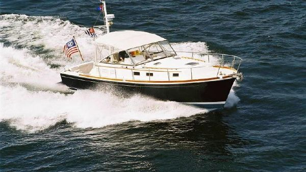 Grand Banks Eastbay 38