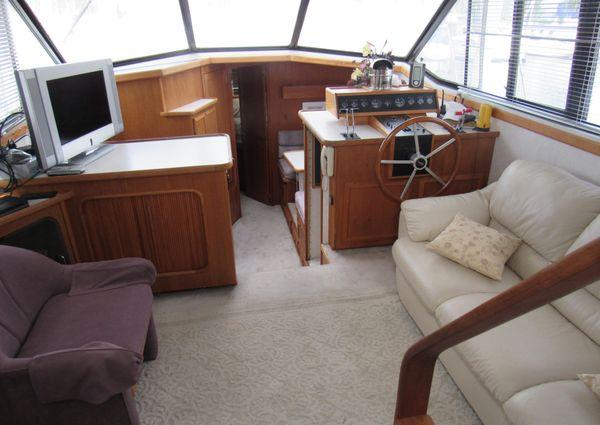 Carver 430 Cockpit Motor Yacht image