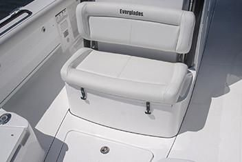 Everglades 273 Center Console image