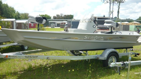 SeaArk RXT160