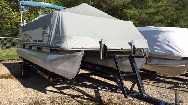 Lowe Suncruiser Trinidad TR200