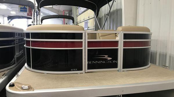 Bennington 22 SLX