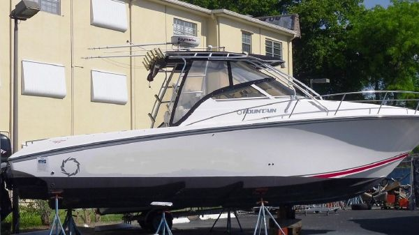 Fountain 33 Sportfish Cruiser Low Hours