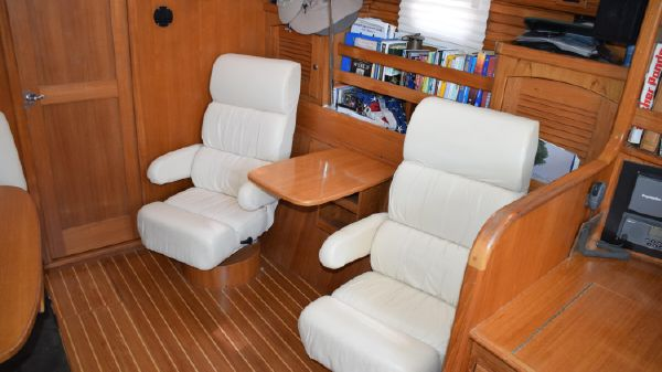 Catalina 470 Easy Chairs