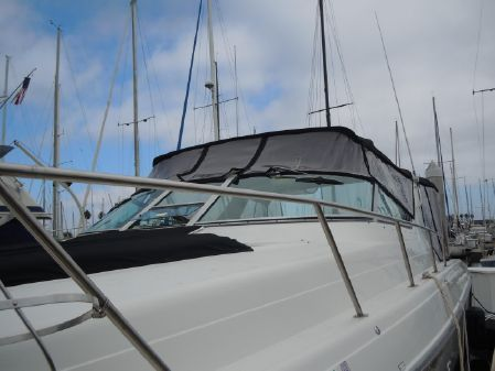 Regal Commodore 402 Express Cruiser image