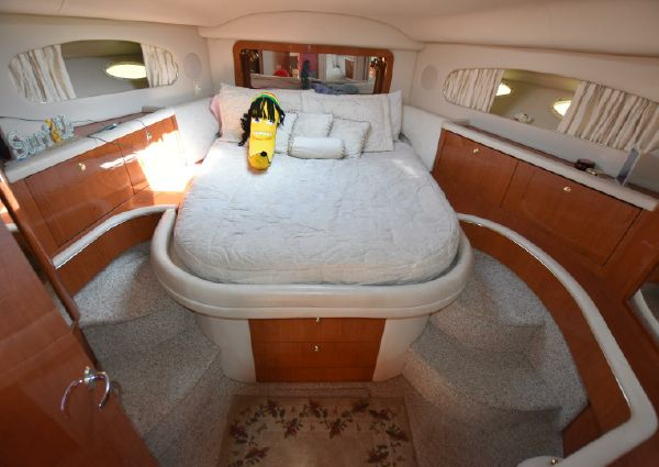 Sea Ray 420 Aft Cabin image