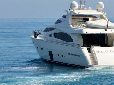 2012 Ferretti Yachts<span>881 RPH</span>
