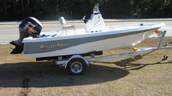 NauticStar 195 XTS