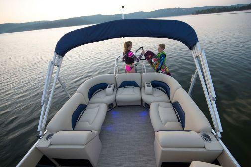Landau Atlantis 220 Cruise Sport Rear Lounge image