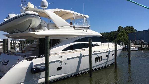 Viking Princess 67 Vikng Sport Cruiser by Princess