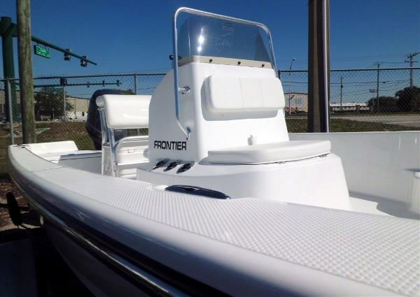 Frontier Boats 180 CC w F115hp Yamaha 4-Stroke EFI Outboard Motor image