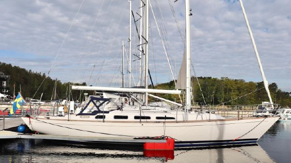 M Yachts M46