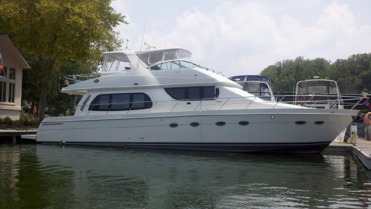 2005 CARVER YACHTS 56 Voyager