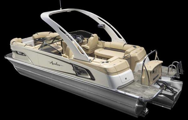 2021 Avalon Excalibur Quad Lounge Windshield - 25'