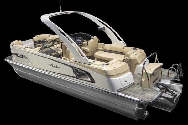 Avalon Excalibur Quad Lounge Windshield - 25' - main image