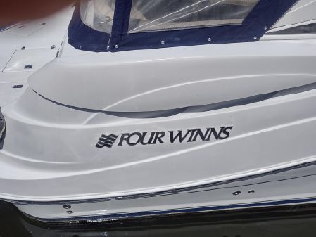 Four Winns 348 Vista image