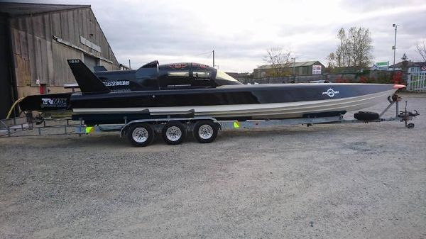 Fabio Buzzi FB 32 RACING POWERBOAT Fabio Buzzi FB 32 RACING POWERBOAT