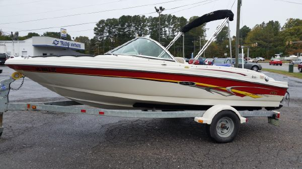 Sea Ray 176 SRX Bow Rider