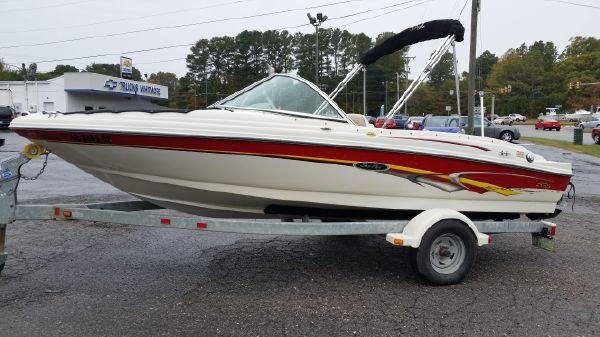 Sea Ray 176 SRX Bow Rider
