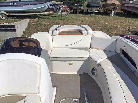 Bayliner 197 Deck Boat image