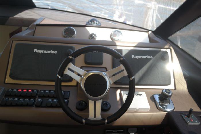 2015 Prestige 550 Broker Connecticut