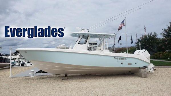 Everglades 335 CC
