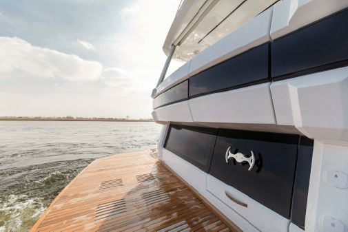 Galeon 640 Fly image